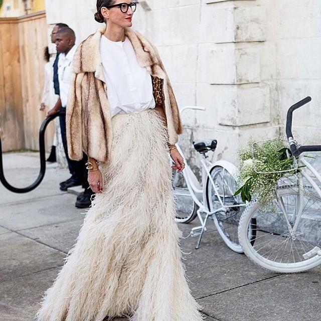 ? #jennalyons #perfection #weddingstyle #fashion #potd #fur #featherskirt #instafashion #instalove