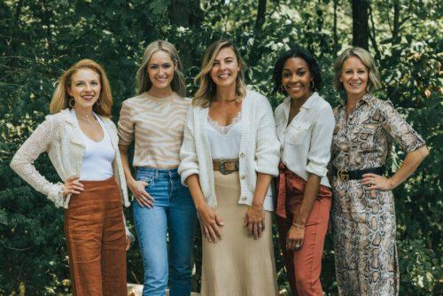 Wardrobe-Therapy-Team-2019